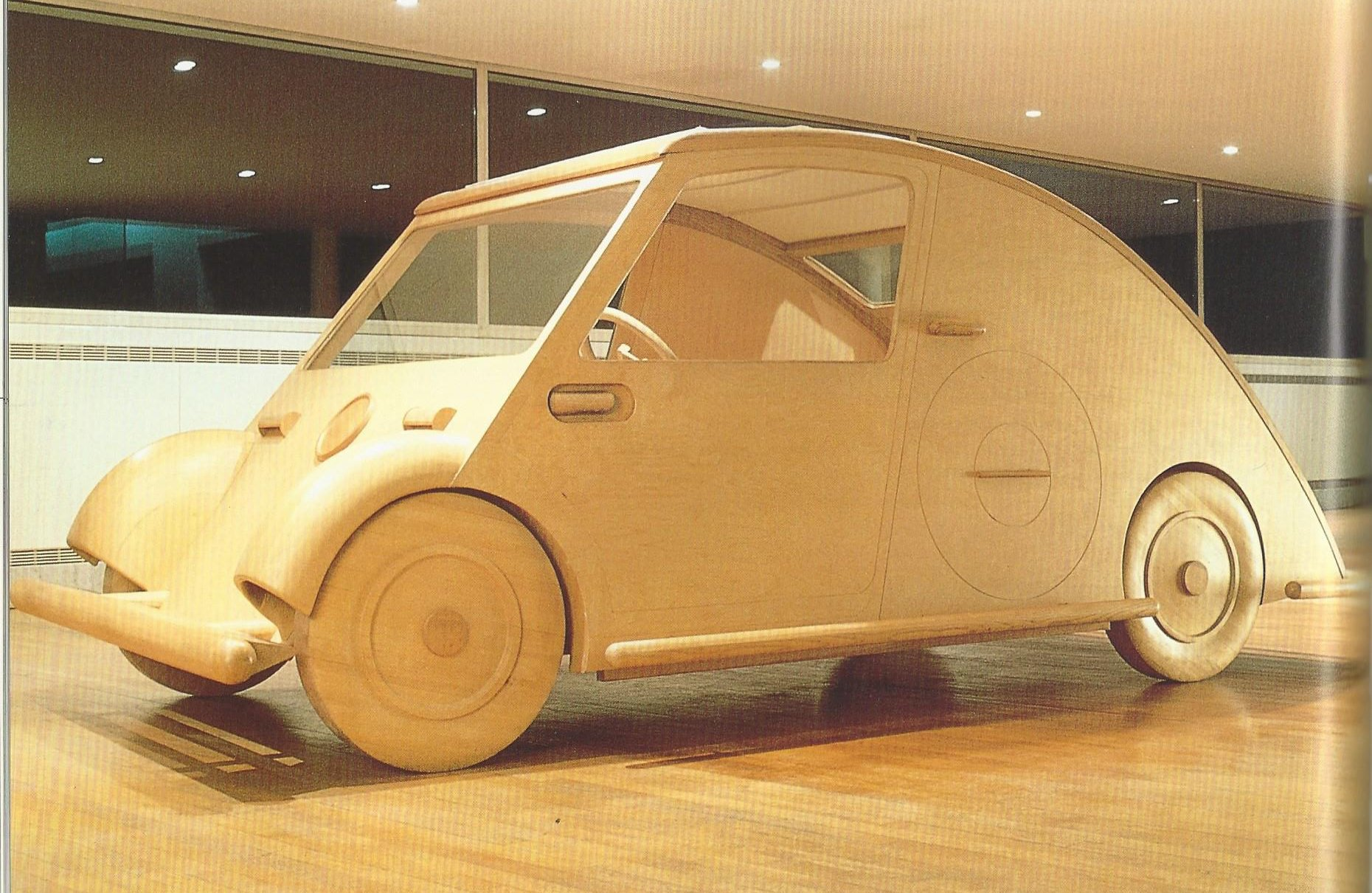 AUTOMOBILES AND ARCHITECTS | Simanaitis Says