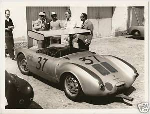 Organizers never allowed May's 550 Spyder to compete in winged configuration.