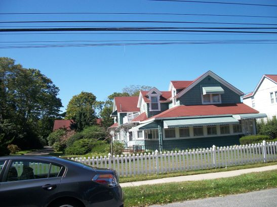The Sayville, Long Island, property. Photo by DanTD, 2012.